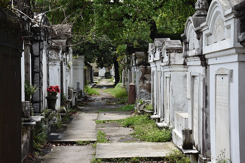 Tombs_at_Lafayette_Cemetery_No_1_Garden_District_New_Orleans_16